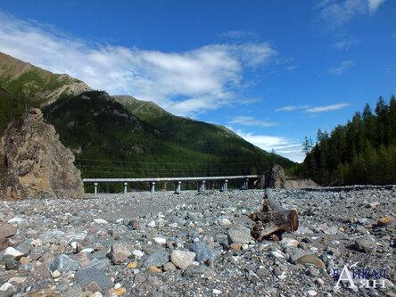 Скалы у выхода Белого Иркута