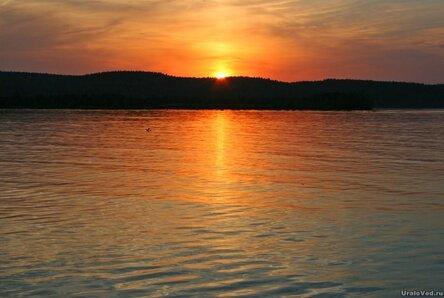 Закат на озере Таватуй